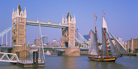 Pride of Baltimore II, Tower Bridge, London, England (1991).