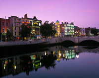 O'Connell Bridge, Dublin, Eire.